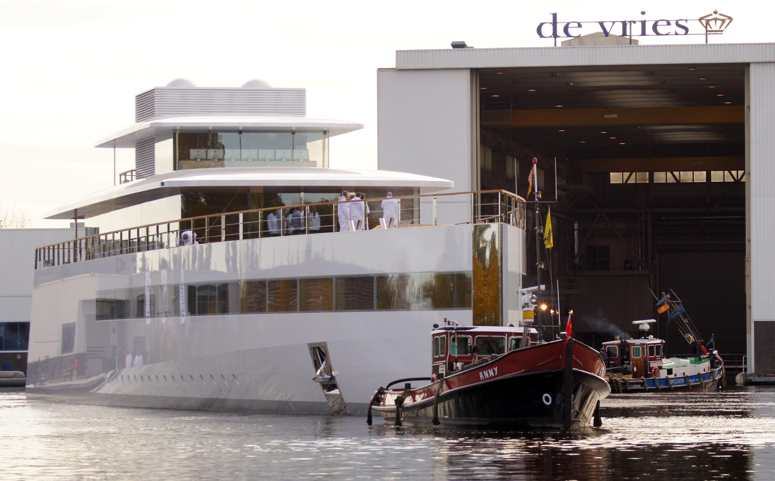 78m-mega-yacht-VENUS